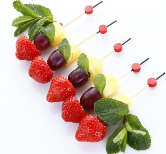 MINI BROCHETTES DE FRUITS