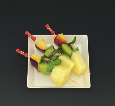 COCKTAIL SUCRÉ MINI BROCHETTES DE FRUITS FRAIS